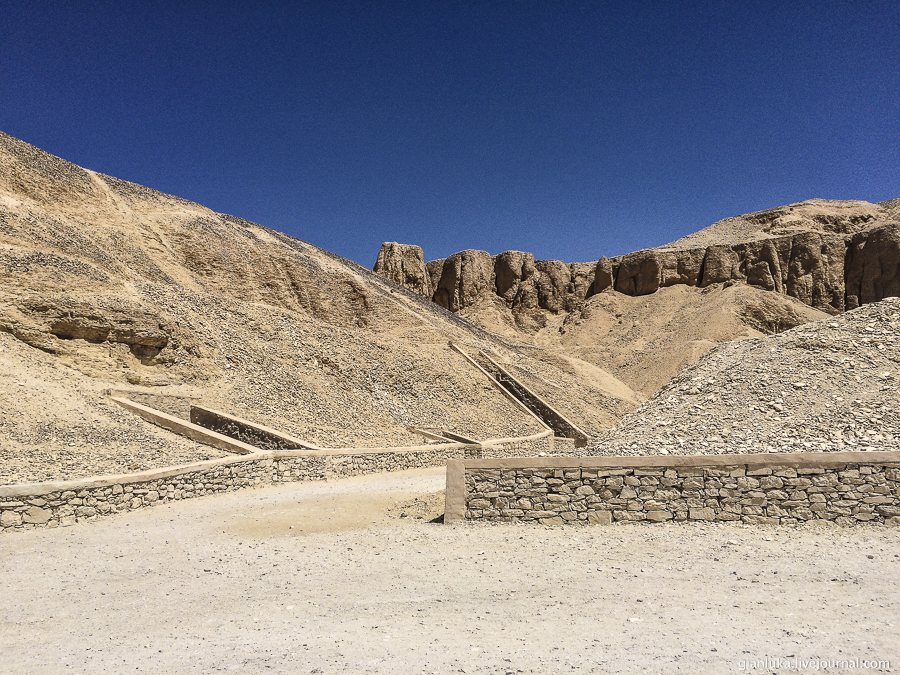 13nile-valley-of-the-kings-and-the-temple-of-hatshepsut.jpg