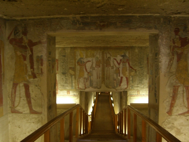 14nile-valley-of-the-kings-and-the-temple-of-hatshepsut.jpg