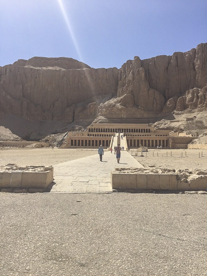 26nile-valley-of-the-kings-and-the-temple-of-hatshepsut.jpg