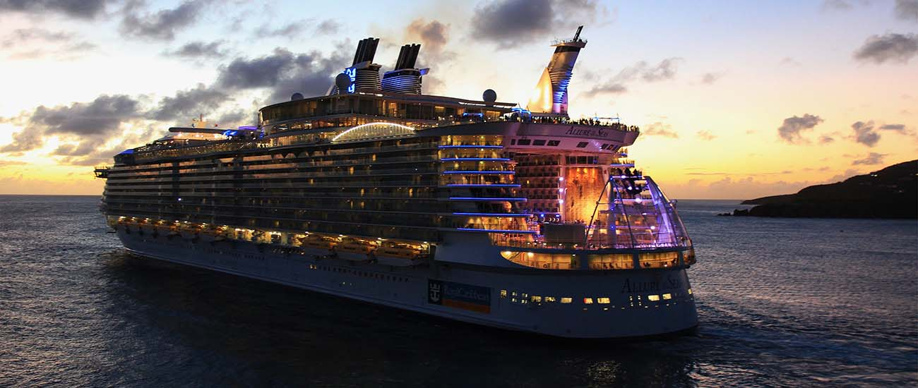 Allure of the Seas © Andreas von Oettingen/CC BY-SA 3.0