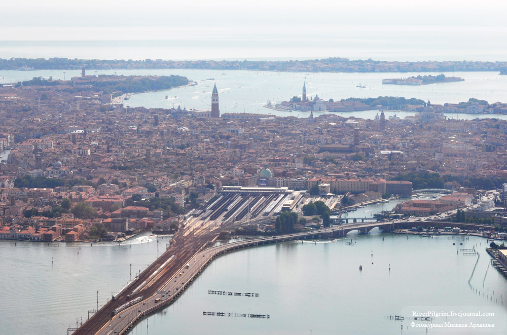 01general-view-of-venice-italy.jpg