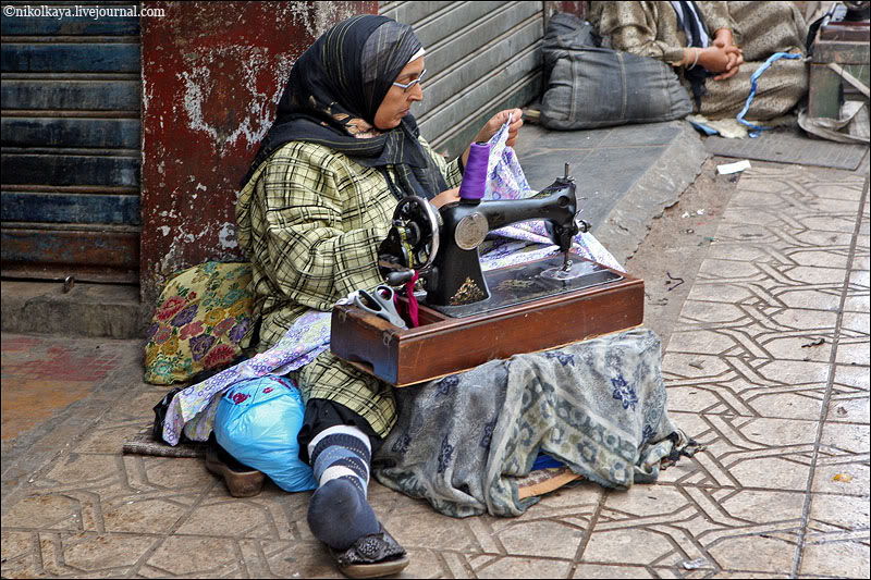 11morocco-walking-around-casablanca.jpg