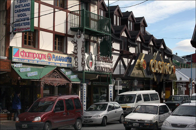 12argentina-walking-around-ushuaia.jpg
