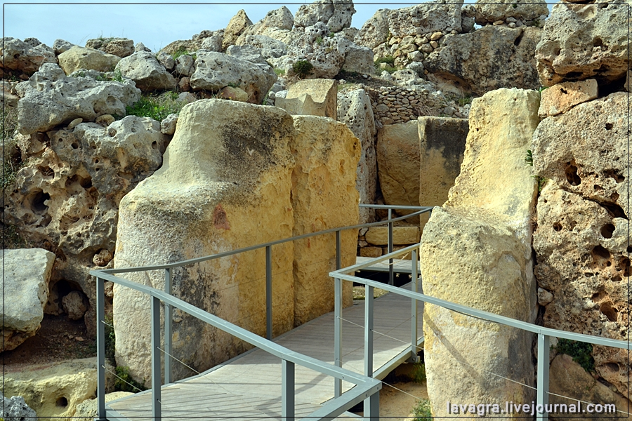 14temples-and-burial-mounds-of-malta.jpg