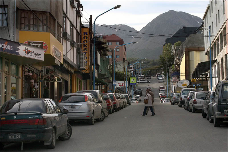 15argentina-walking-around-ushuaia.jpg