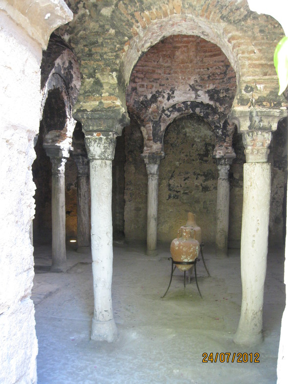 15spain-palma-de-mallorca-arab-baths.jpg