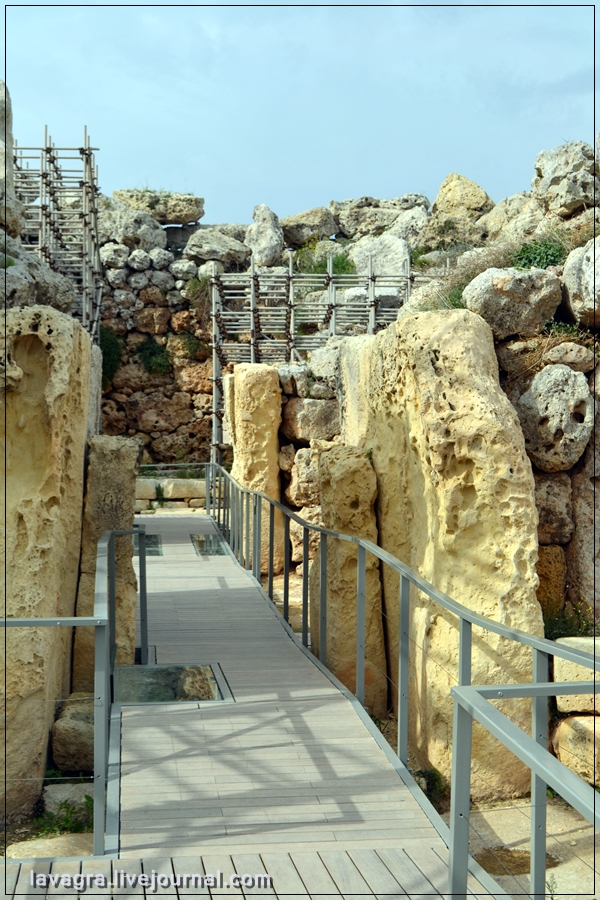 15temples-and-burial-mounds-of-malta.jpg