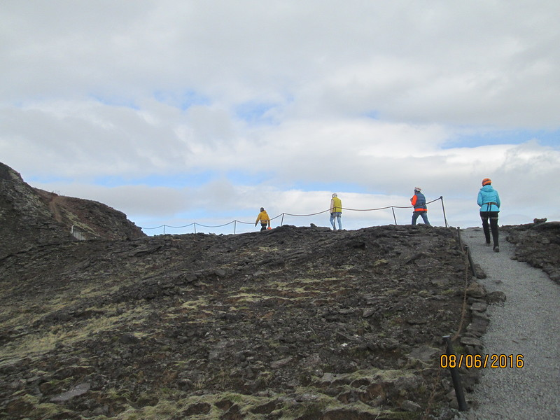 16going-to-volcano-crater-iceland.jpg