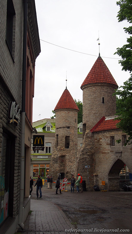 17tallinn-if-you-dont-have-a-plan-just-wander-around-the-city.jpg