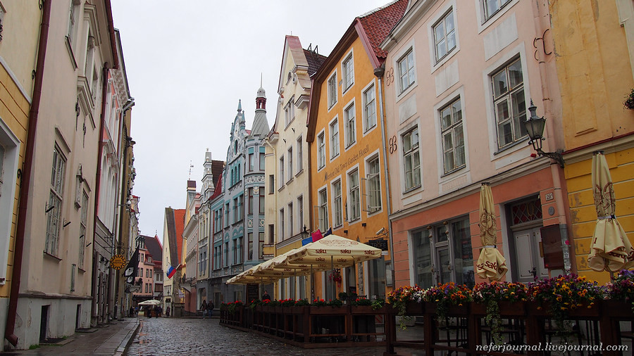 23tallinn-if-you-dont-have-a-plan-just-wander-around-the-city.jpg