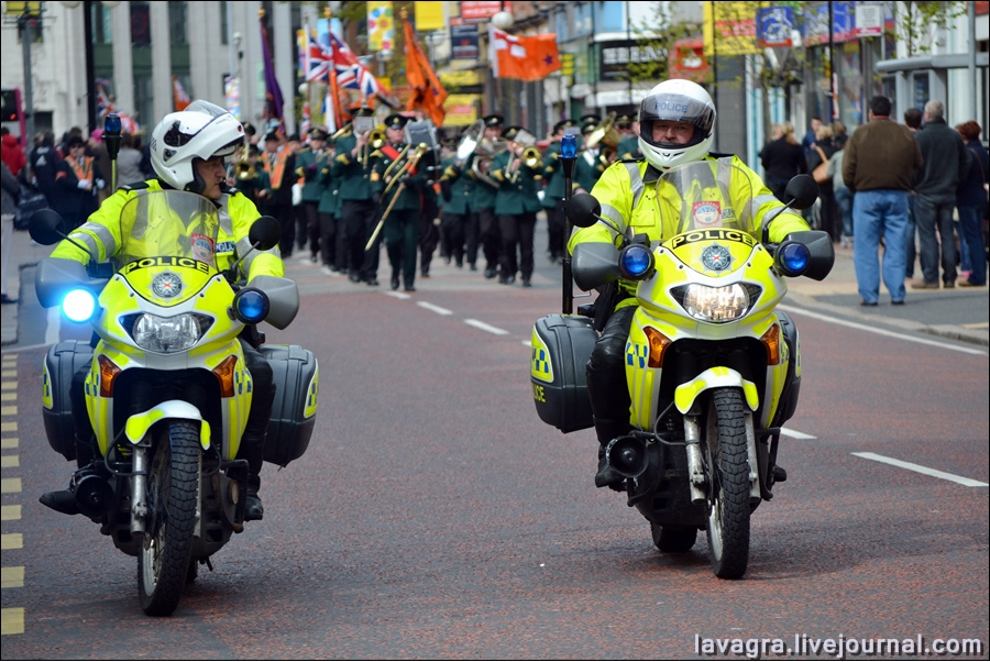 2unionist-parade-in-belfast-uk.jpg