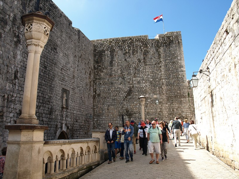 31croatia-walking-around-dubrovnik.jpg
