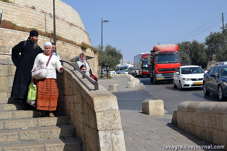 3looking-for-miracles-in-jerusalem.jpg