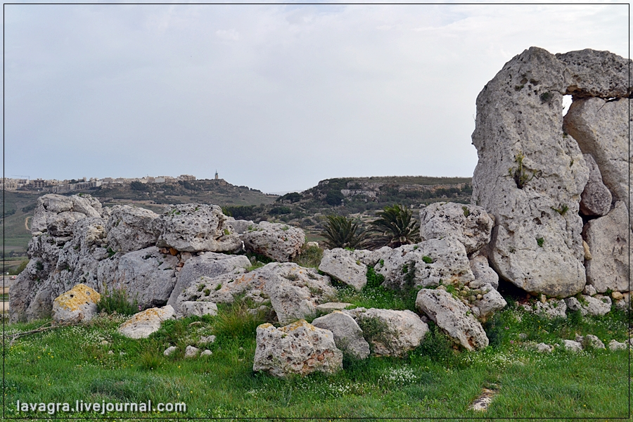 3temples-and-burial-mounds-of-malta.jpg