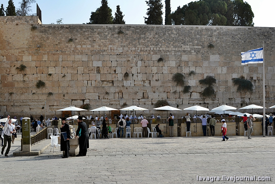 4looking-for-miracles-in-jerusalem.jpg