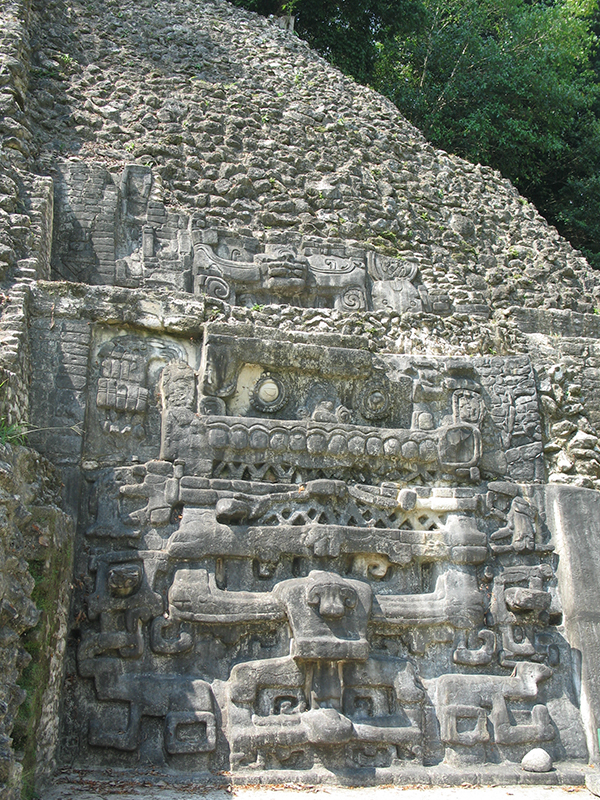 5caracol-ancient-maya-archaeological-site-in-belize.jpg