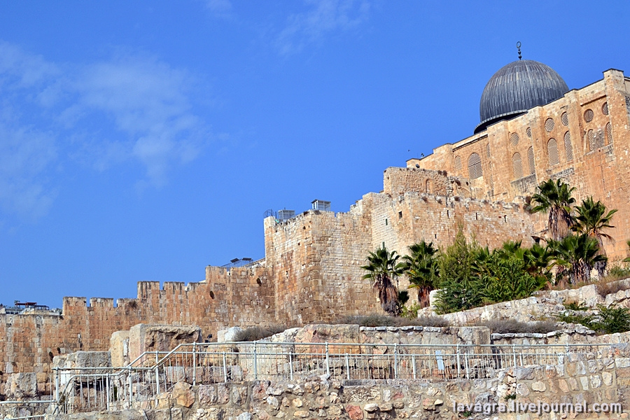 7looking-for-miracles-in-jerusalem.jpg