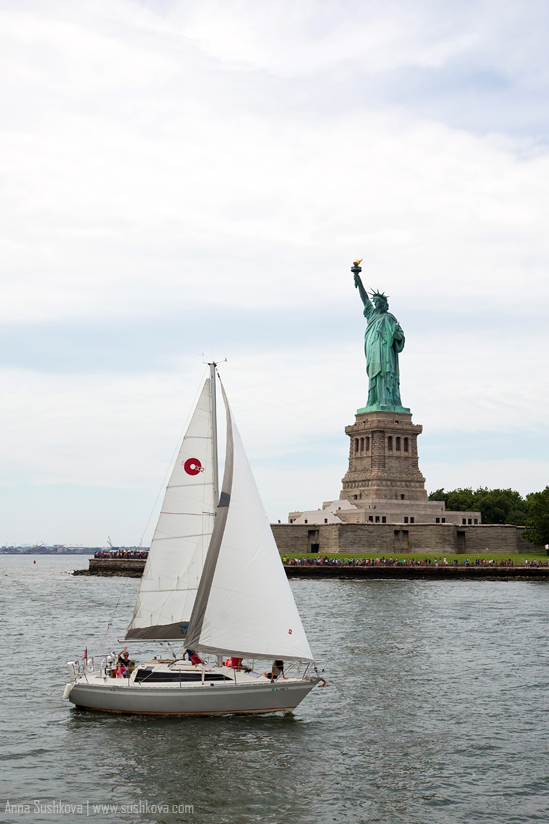 11nyc-the-statue-of-liberty.jpg