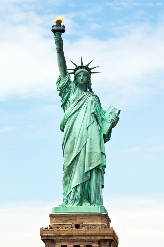 12nyc-the-statue-of-liberty.jpg