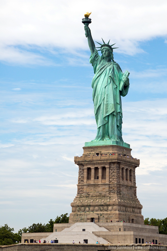 17nyc-the-statue-of-liberty.jpg