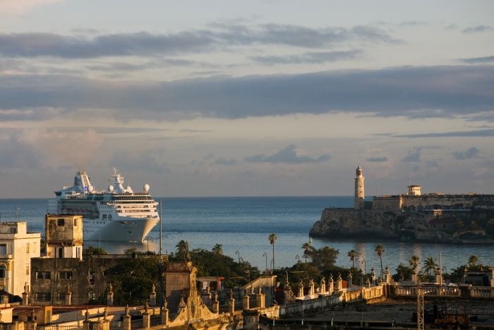 2empress-of-the-seas-visits-cuba.jpg