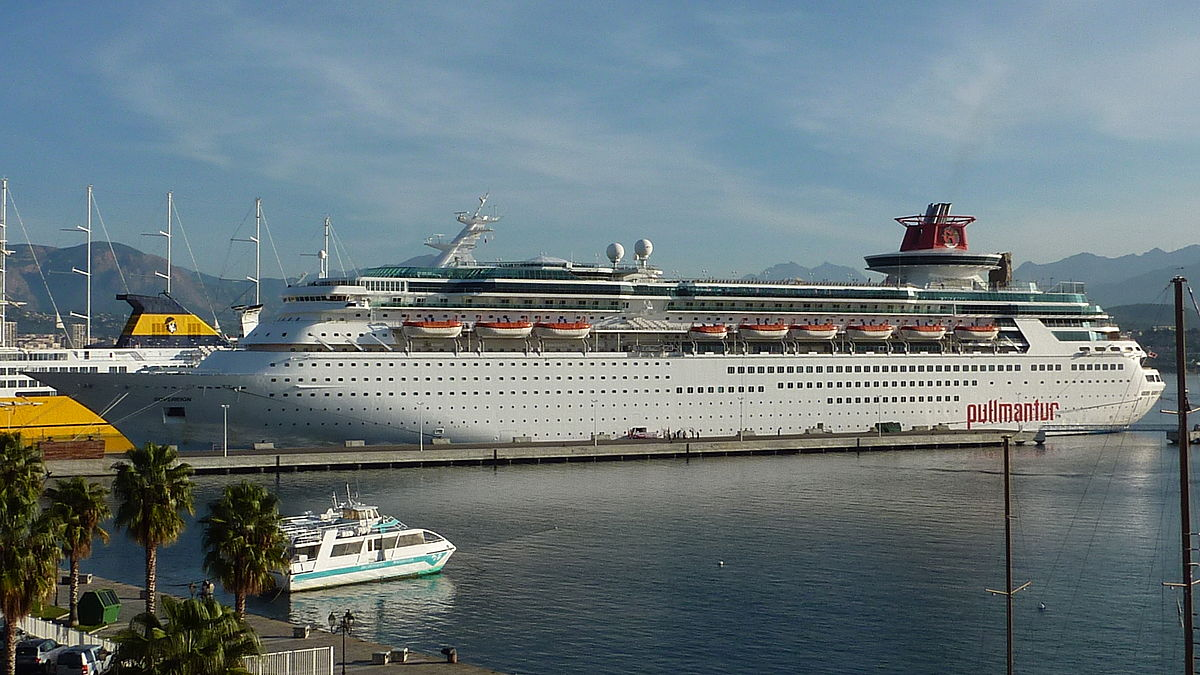 Is Royal Caribbean Cruises Ltd Going To Sell Its Old Cruise Ships - Caribbean cruises