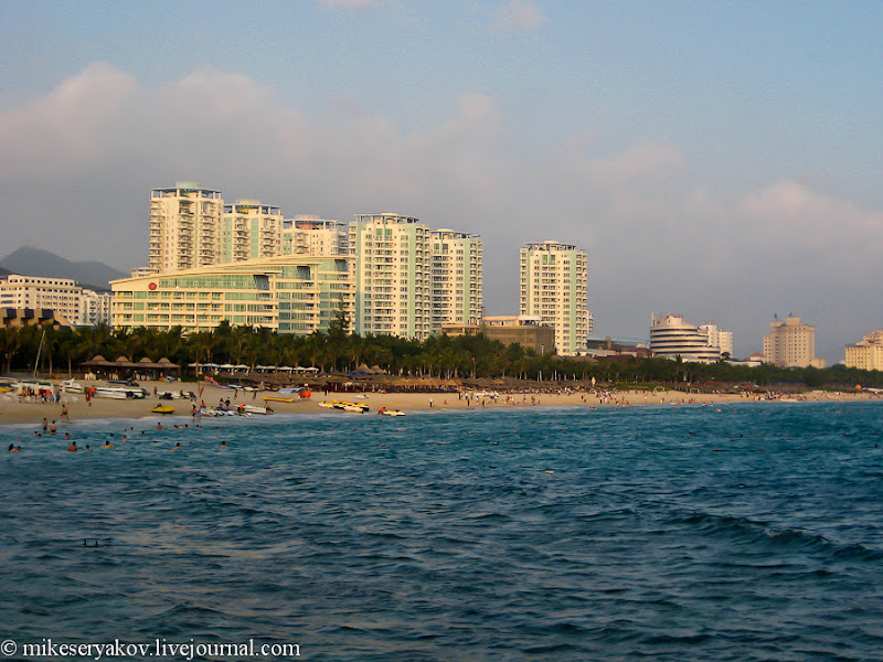 32chinese-island-of-hainan.jpg