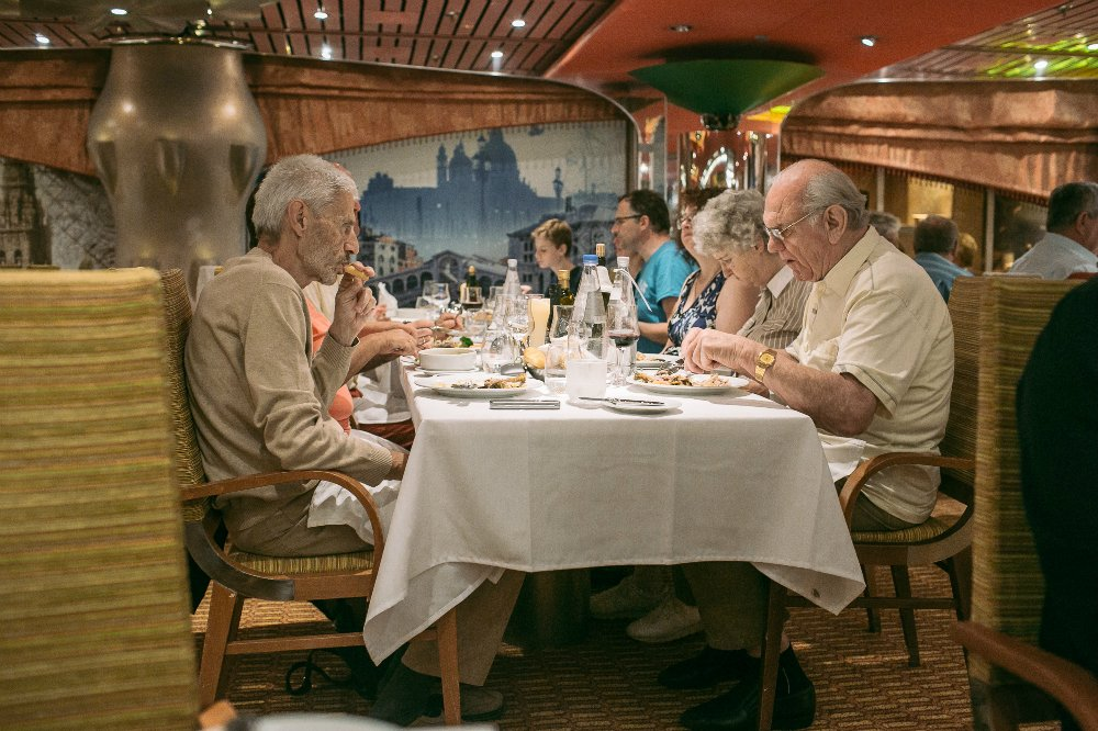 42sea-cruise-on-the-costa-magica.jpg