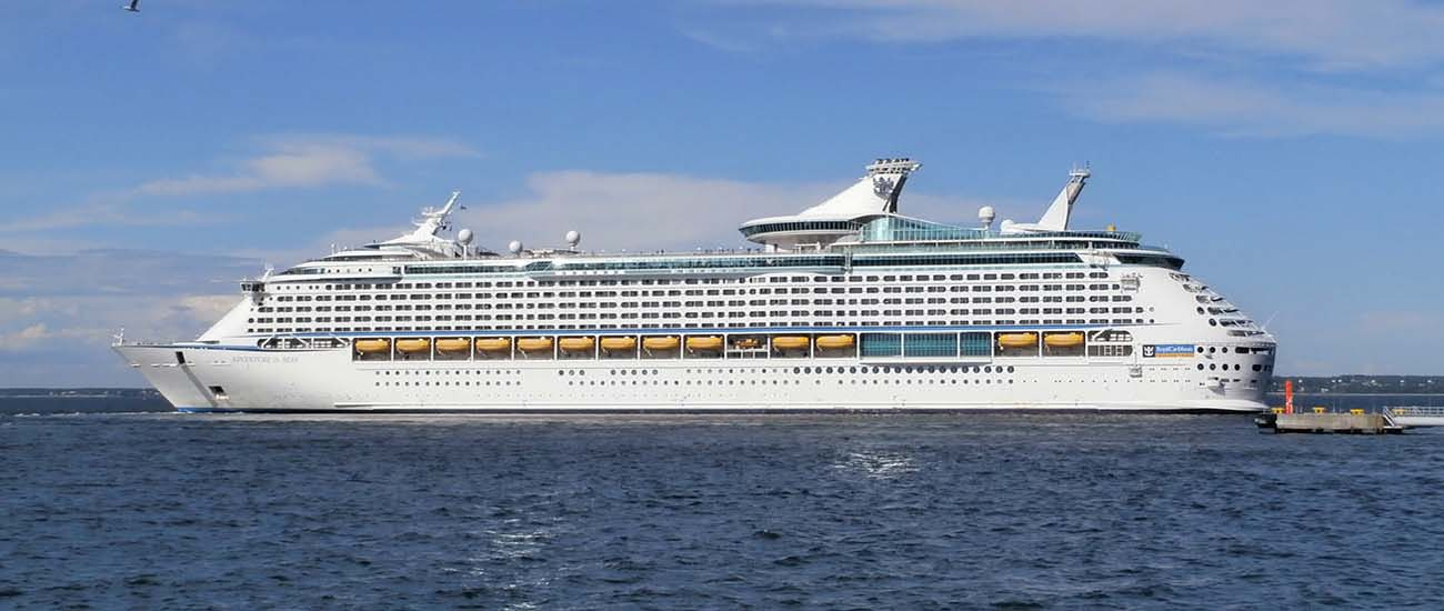 Adventure of the Seas © Pjotr Mahhonin/Wiki/CC BY-SA 3.0