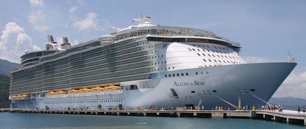 Allure of the Seas © Derek Hatfield/Flickr/CC BY 2.0