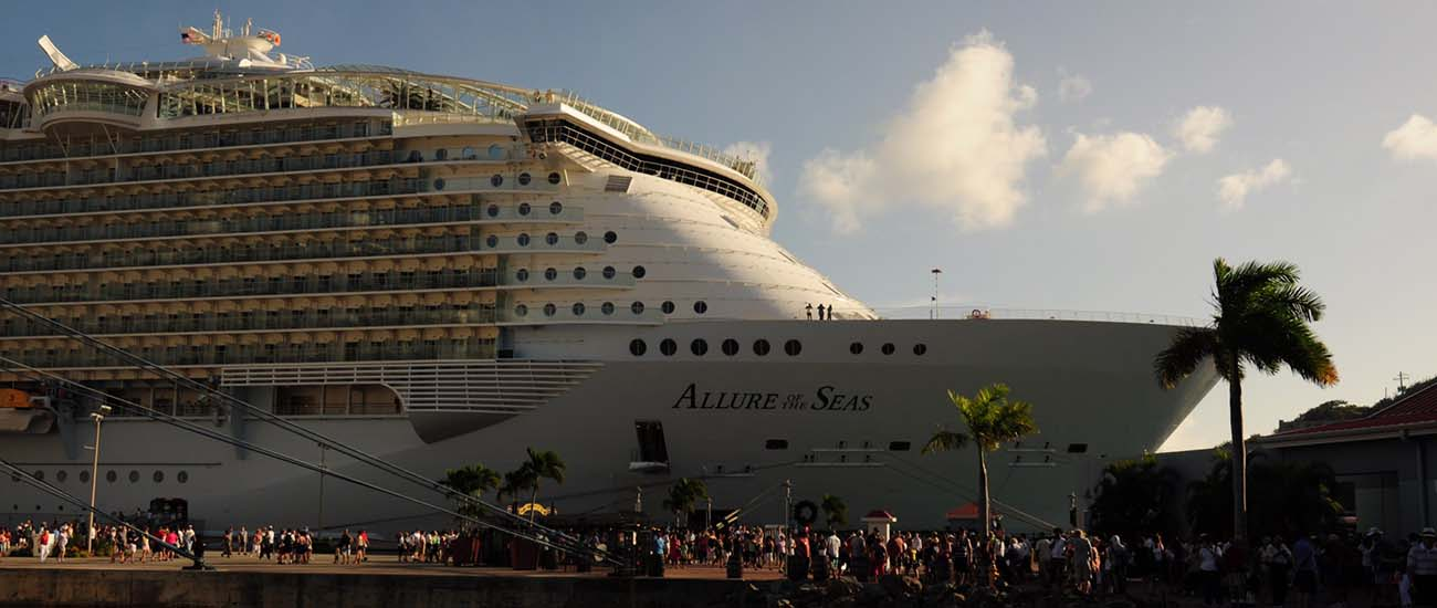 Allure of the Seas © Wilson Hui/Flickr/CC BY 2.0