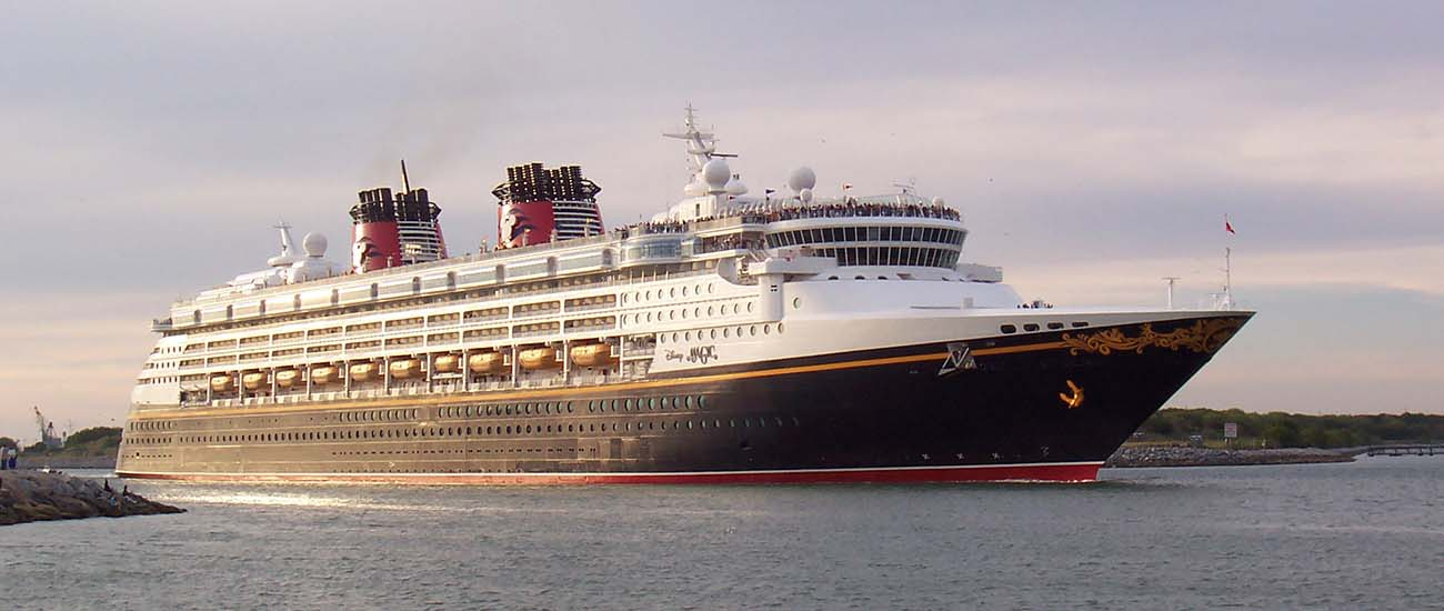 Disney Magic © David T. Flaherty/Wiki/CC BY-SA 3.0 + GFDL