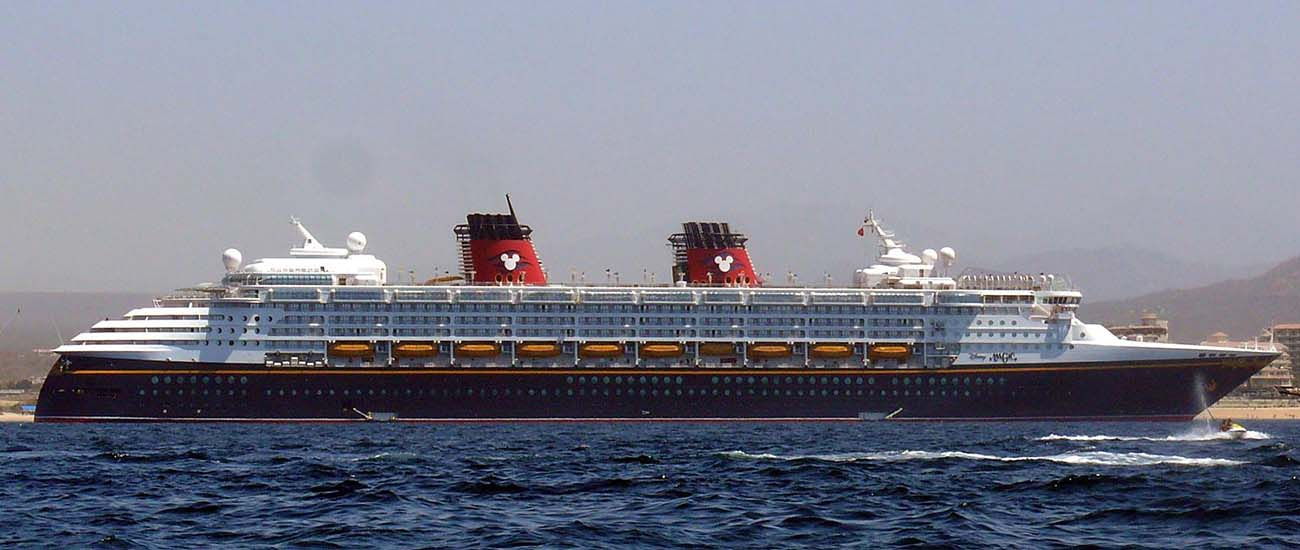 Disney Magic © sanctumsolitude/Wiki/CC BY 2.0