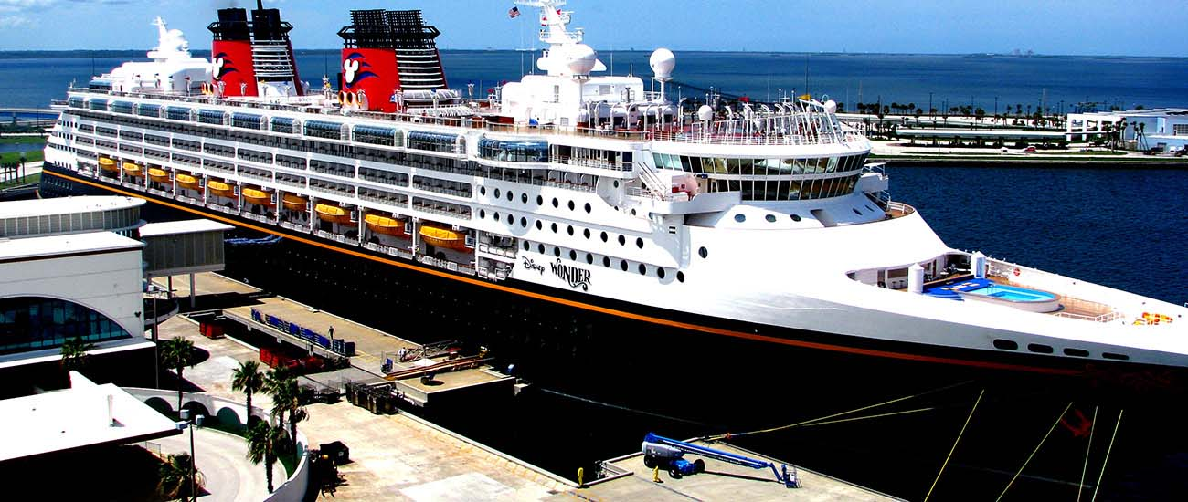 Disney Wonder © Rennett Stowe/Wiki/CC BY 2.0