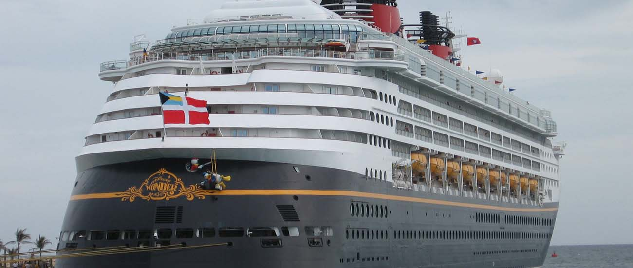 Disney Wonder © Shorelander/Wiki/CC BY-SA 3.0