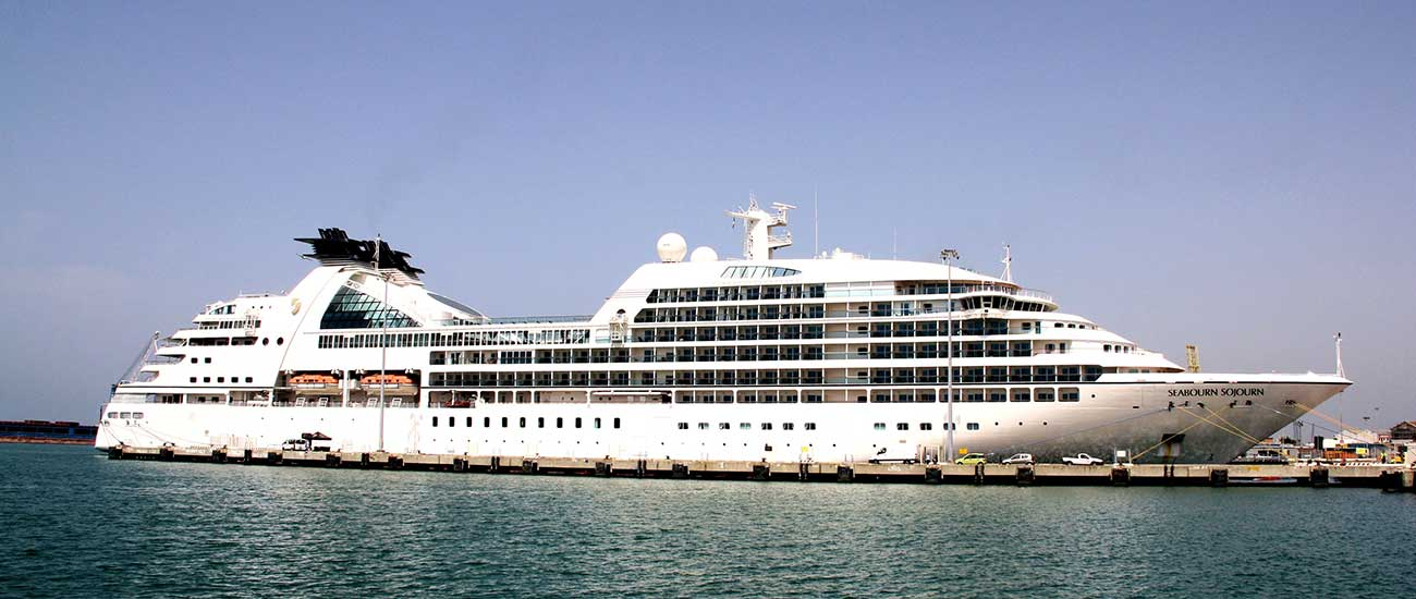 Seabourn Sojourn © Piergiuliano Chesi / Wiki / CC BY-SA 3.0