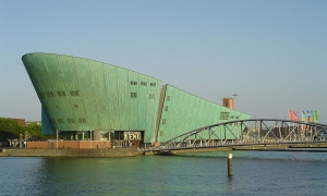 Top-10 landmarks in Amsterdam by CruiseBe