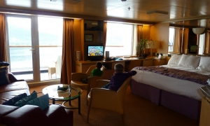 Holland America Zuiderdam Suite by Roy Luck/Flickr/CC BY 2.0