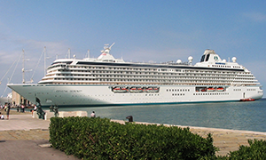 "© <a href=""https://commons.wikimedia.org/wiki/File:MS_Crystal_Serenity_Trieste_1.jpg"" target=""_blank"" rel=""nofollow"">L. Colombo (Olonia)/Wikimedia</a>/<a href=""https://creativecommons.org/licenses/by-sa/3.0/deed.en"" target=""_blank"" rel=""nofollow"">CC BY-SA 3.0</a>"
