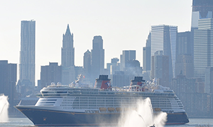 "© <a href=""https://commons.wikimedia.org/wiki/File:Disney_Fantasy_Maiden_Arrival_in_NYC.JPG"" target=""_blank"" rel=""nofollow"">Pechristener/Wikimedia</a>/<a href=""https://creativecommons.org/licenses/by-sa/3.0/deed.en"" target=""_blank"" rel=""nofollow"">CC BY-SA 3.0</a>"
