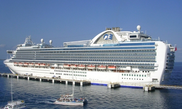 Crown Princess In Cozumel © Roger W/Flickr/CC BY-SA 2.0