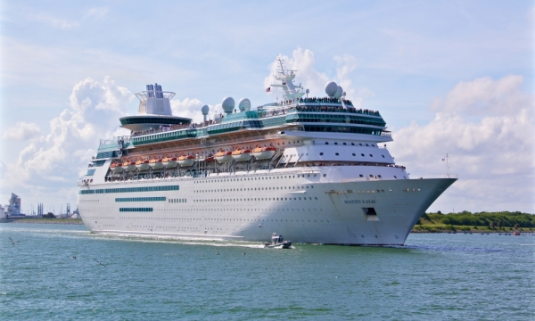Majesty of the Seas at Port Canaveral © ajmexico/Flickr/CC BY 2.0