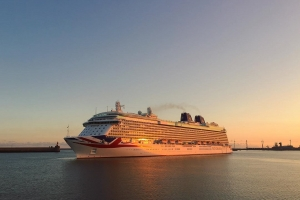 Inspiring Pictures of Cruise Ships by @Steven_vb