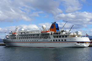 "© <a href=""https://commons.wikimedia.org/wiki/File:MS_Bremen_-_Ushuaia.JPG"" target=""_blank"" rel=""nofollow"">Zuarin/Wikimedia</a>/<a href=""https://creativecommons.org/licenses/by-sa/3.0/deed.en"" target=""_blank"" rel=""nofollow"">CC BY-SA 3.0</a>"