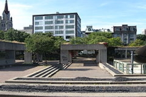 By art_inthecity from Montreal, CA - Montreal, Square Viger, vue de loeuvre Agora de Charles Daudelin, CC BY 2.0, https://commons.wikimedia.org/w/index.php?curid=21845679