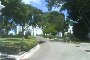 "© <a href=""https://commons.wikimedia.org/wiki/File:Government_House,_Government_Hill,_Barbados-001.jpg"" target=""_blank"" rel=""nofollow"">CaribDigita/Wikimedia</a>/Public domain"