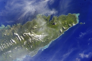 "By NASAuploaded by Teinesavaii - Image Science and Analysis Laboratory, NASA-Johnson Space Center. ""The Gateway to Astronaut Photography of Earth."" <http://eol.jsc.nasa.gov/scripts/sseop/QuickView.pl?directory=ESC&ID=ISS012-E-23604>, Public Domain, https://commons.wikimedia.org/w/index.php?curid=9147991"