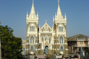 By Rakesh Krishna Kumar - originally posted to Flickr as Mount Mary Church, CC BY-SA 2.0, https://commons.wikimedia.org/w/index.php?curid=694517