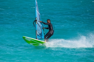 """© <a href=""""https://cdn.pixabay.com/photo/2018/05/31/21/04/windsurfing-3445126_960_720.jpg"""" target=""""_blank"""" rel=""""nofollow"""">Pixabay</a>/Public domain - Note: the image is for illustration purposes only. Real place may vary."""