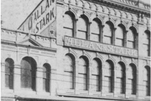 By Unidentified - Picture Queensland: Brisbane business, Allan and Stark drapery store, ca. 1910, Public Domain, https://commons.wikimedia.org/w/index.php?curid=26526442